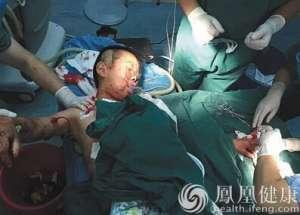 湘一医务人员儿子被患者砍12刀