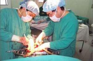 6个月重症婴儿等待肝移植