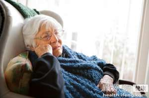 养老保险年度收支再现赤字 专家呼吁养老保障体系须重构