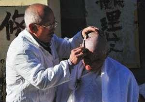 福痣剃破发现癌变 黑色素瘤被当成福痣