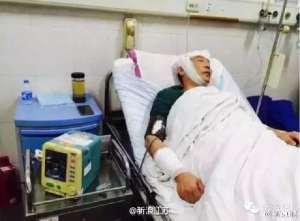 """江苏一男子酒后无故殴打医护人员 称""""我就要打你"""""""